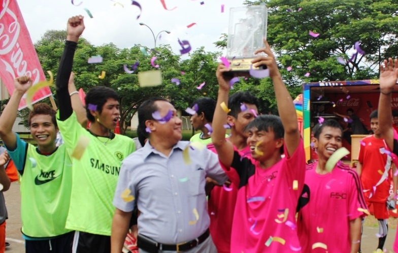 Ilmu Komunikasi Juara Futsal UIN Cup.