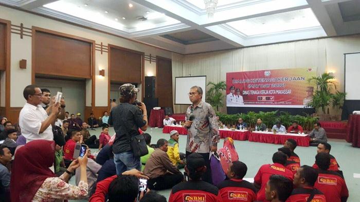 Penyampaian Danny Kepada Buruh Kota Makassar