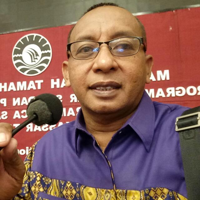 Drs. Qamal Adnan, M.Si