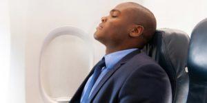 5 Cara Jitu Tidur Nyenyak dalam Pesawat