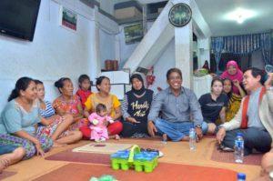 Kunjungan HA Mustaman membuat heboh Warga Kelurahan Karuwisi Utara, Kecamatan Panakkukang, Makassar, Jum'at (06/1/2017) Malam.