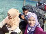 Irmayanti Lubis dan tim saat menyebrang pulau yang masih jadi wilayah kerja PKM Kayang untuk melaksanakan Posyandu Lansia