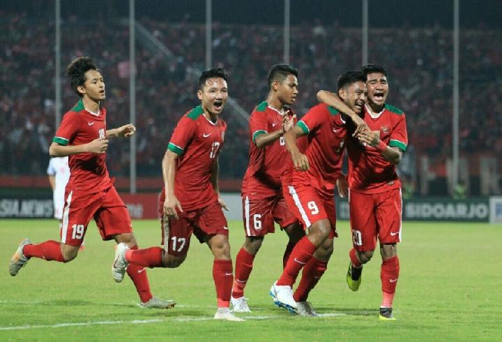 Hari Sumpah Pemuda Timnas U  Bangkitkan Sepakbola Indonesia