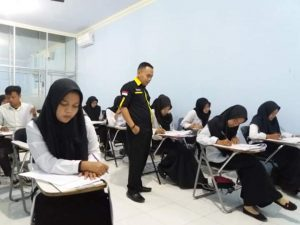 211 Calon Mahasiswa STIE Wira Bhakti Makassar Ikut Tes Tulis
