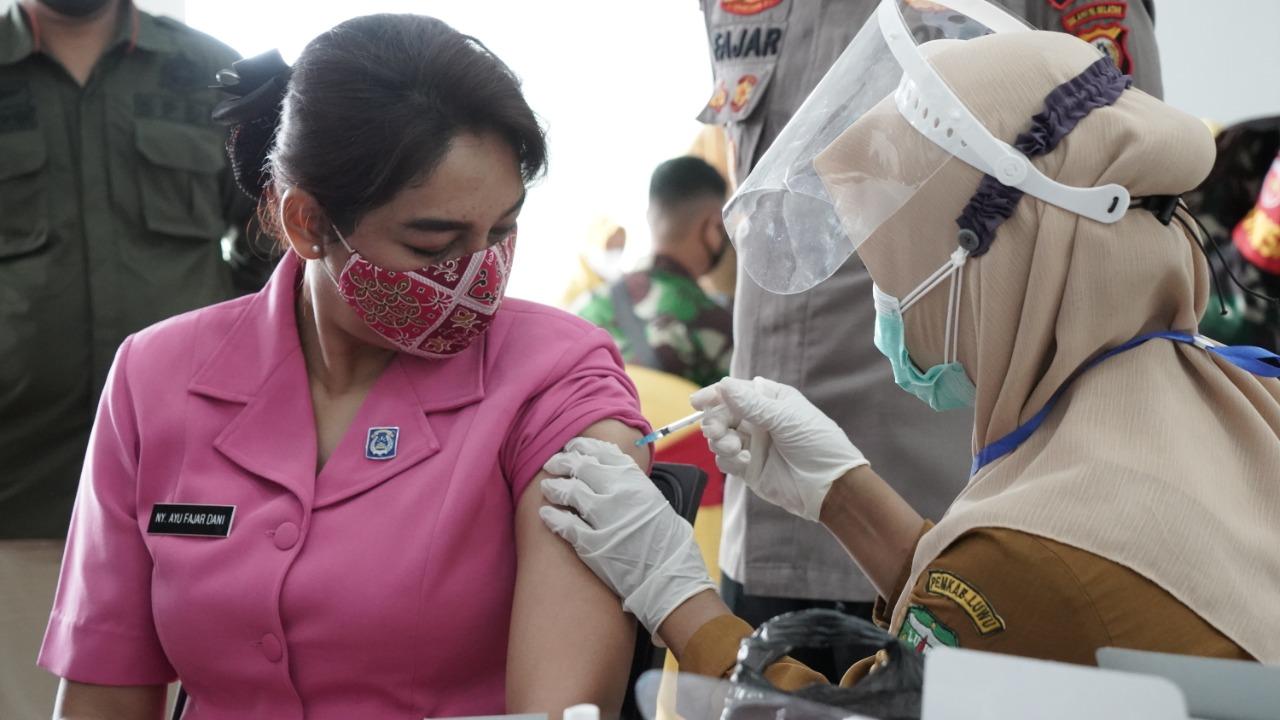 TNI-Polri Antusias Sukseskan Vaksinasi Tahap Kedua di Kabupaten Luwu