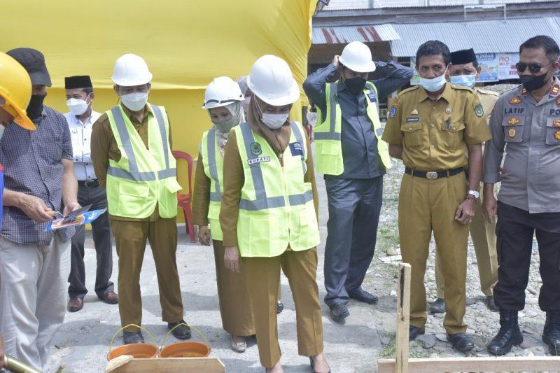 Bupati Luwu Utara Letakkan Batu Pertama Pembangunan Pasar Rakyat di Malbar